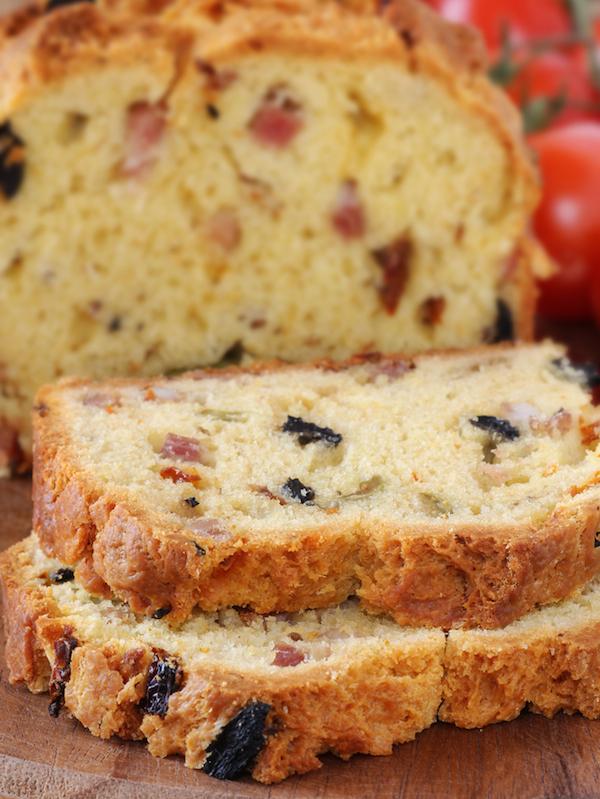 Cake olives et lardons ©kuvona Shutterstock