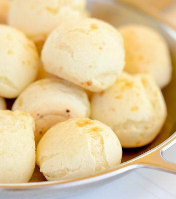 Pão de queijo ©Paul_Brighton - Shutterstock