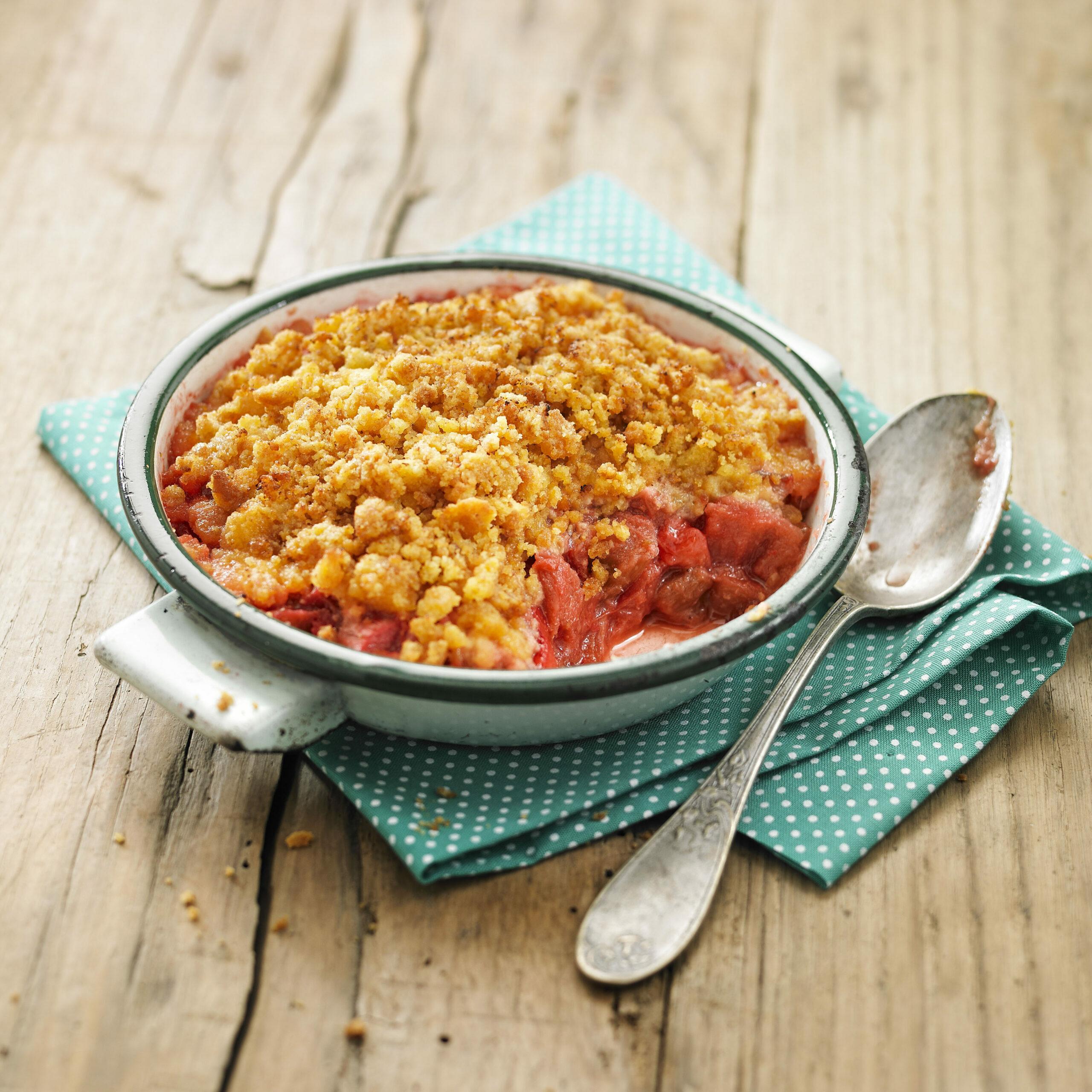 Crumble express fraises rhubarbe