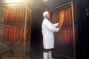 Fumage du saumon ©D. Nakache