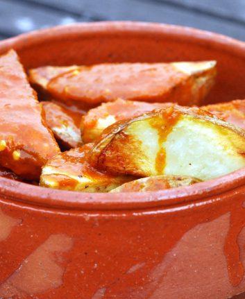 Patatas bravas ©Victor Bayon CC BY-NC-SA 2.0
