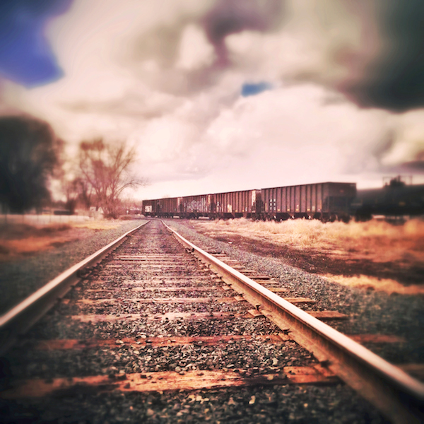 Rails ©Twenty20 - shutterstock
