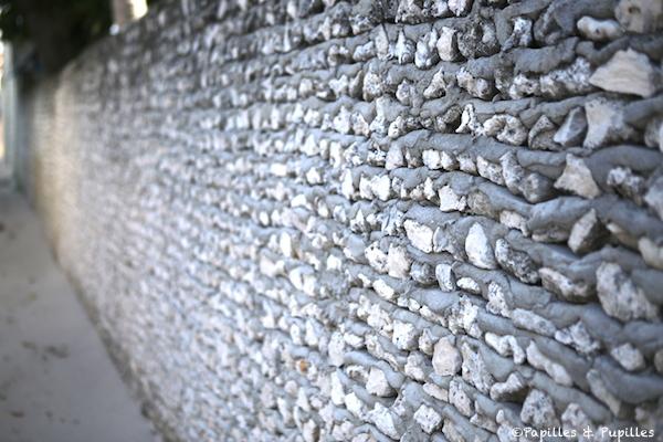 Les maisons aux murs de corail