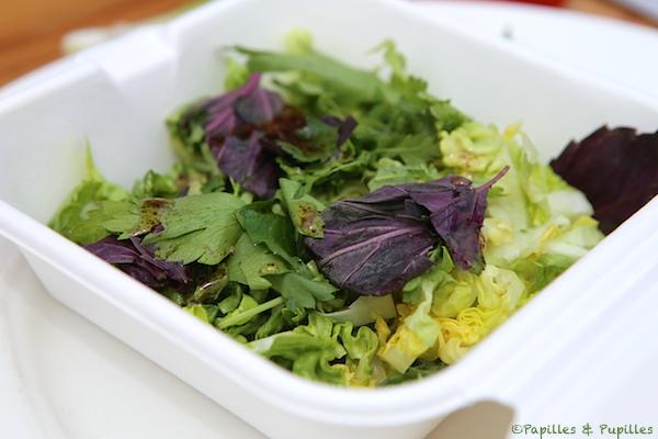 Mélange de salade et d'herbes