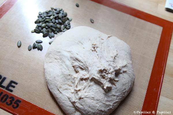 Pâton et graines de courge
