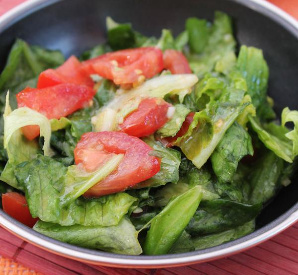 Salade verte et tomates ©Bildagentur Zoonar GmbH shutterstock