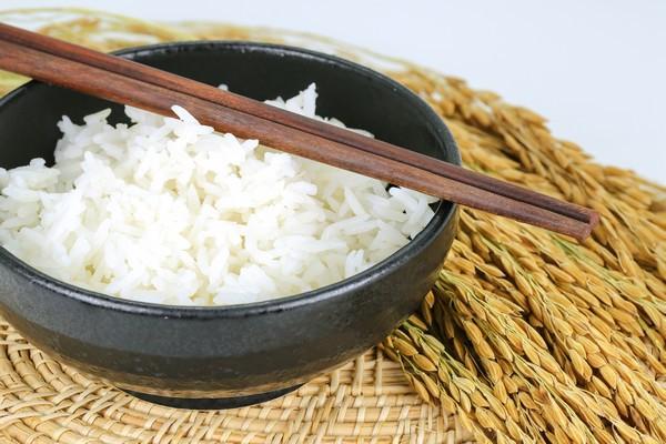 Comment cuire du riz tha - Comment cuisiner les vermicelles de riz ...