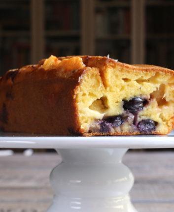 Cake au Comté, aux raisins et aux figues