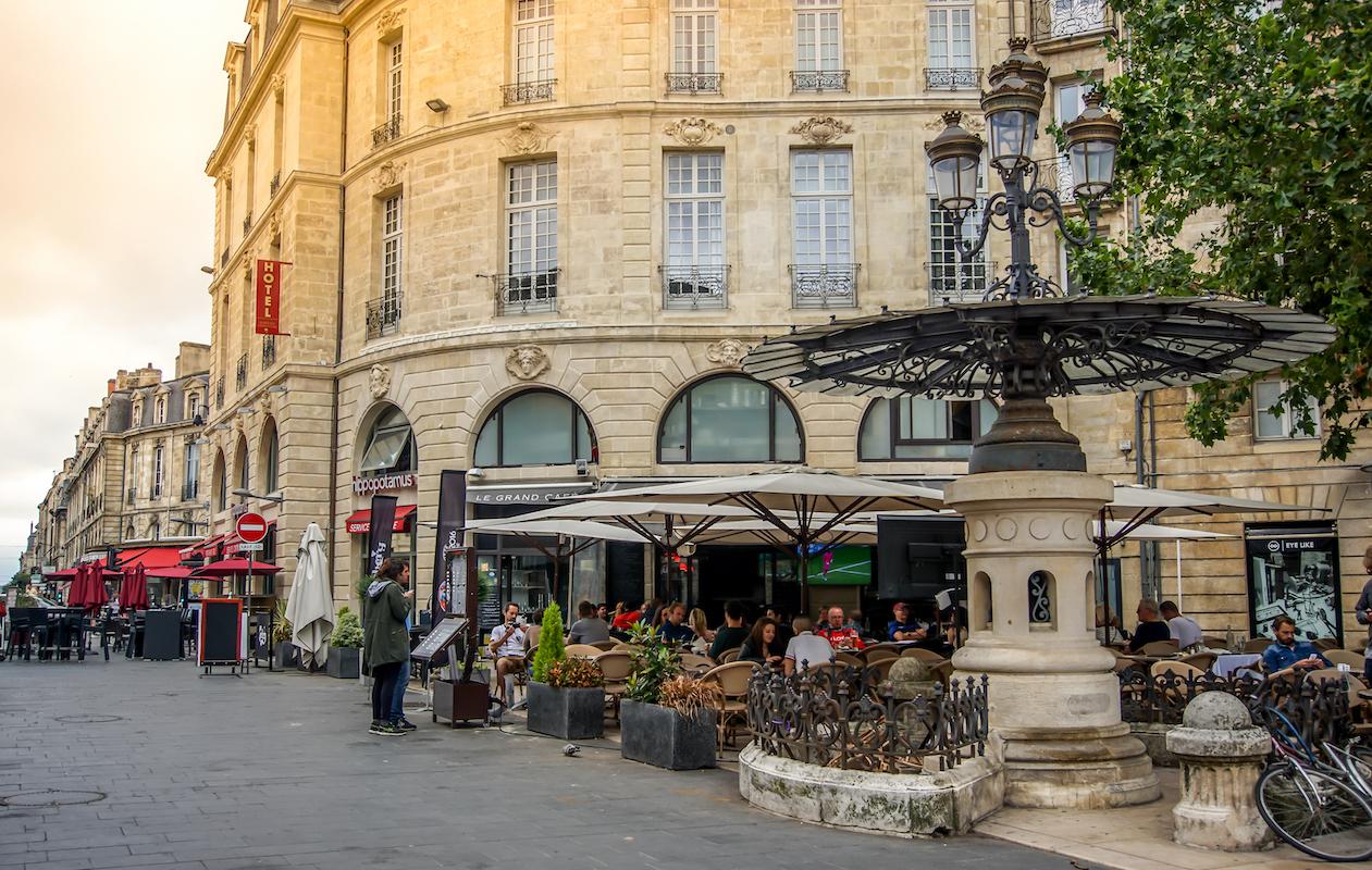 Où manger un dimanche à Bordeaux © nbnserge shutterstock