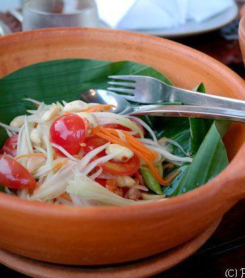 Salade de papaye verte et carottes aux crevettes - Som Tum Thai
