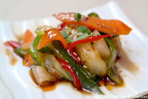 Légumes saumurés, concombres, carottes, gingembre