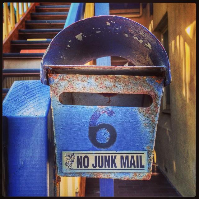 Après la junk food le junk Mail