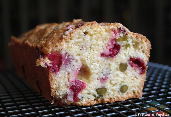 Cake aux airelles et aux pistaches