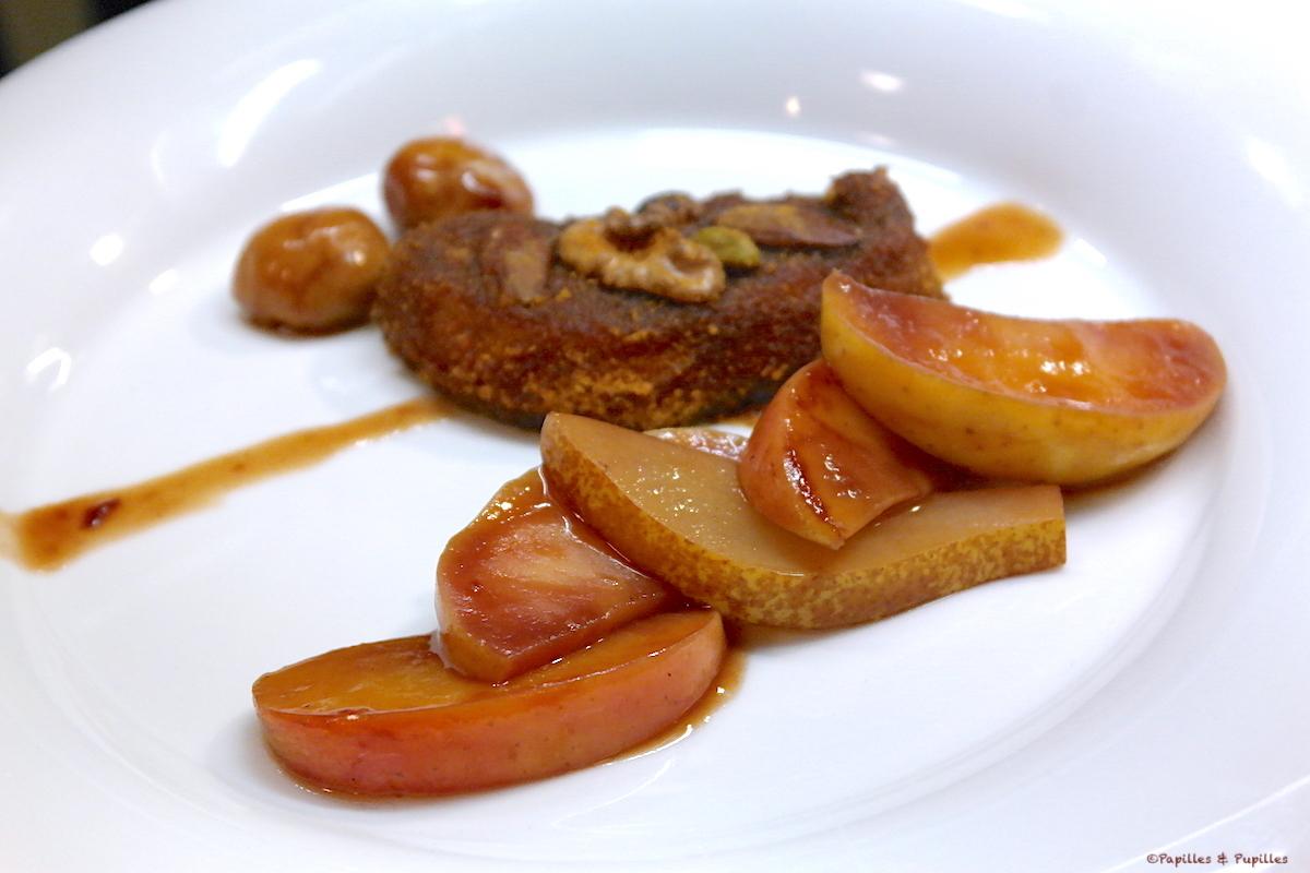 Escalopes de foie gras panées au pain d'épices et fruits secs