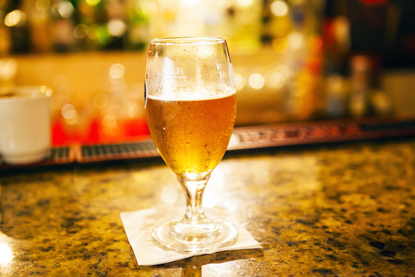 Verre de bière © MaxyM shutterstock