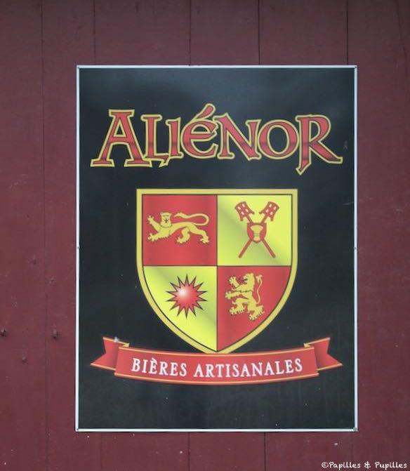 Blason Alienor - Saint Caprais de Bordeaux