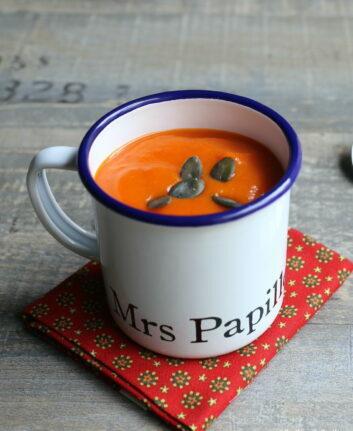 Soupe de butternut, poivrons rouges et patate douce