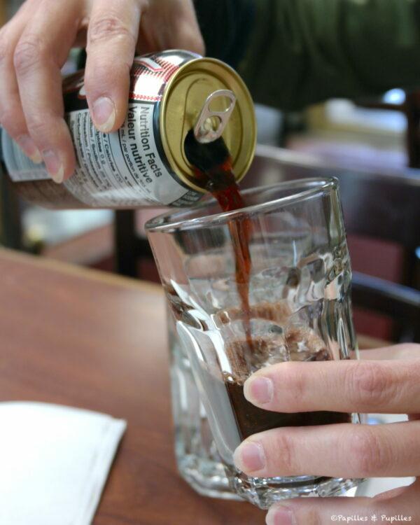 Coca à la cerise noire