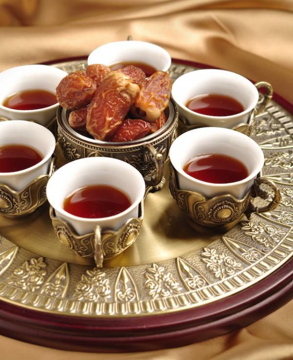 Dattes et café arabe ©JOAT shutterstock
