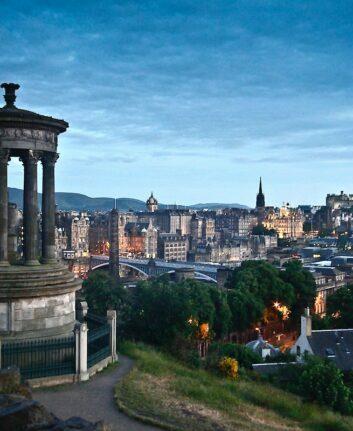 Edinburgh © Peter Cordes on Unsplash
