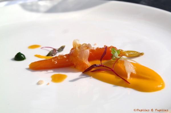 Crème de carottes parfumée à la noix de coco, carotte confite aux agrumes et haddock fumé