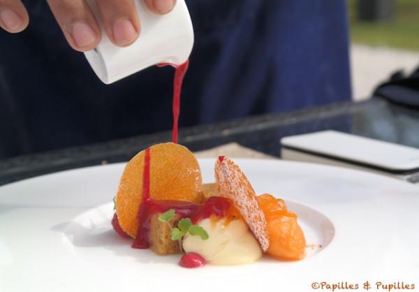 Crème de cheesecake, pain d'épices mariné, filament de carottes confites, glace carottes et coulis de framboises