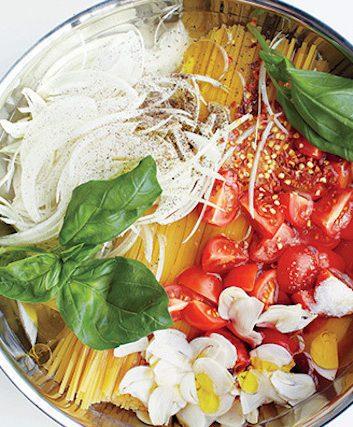 Martha Stewart - Linguine avec tomate et basilic
