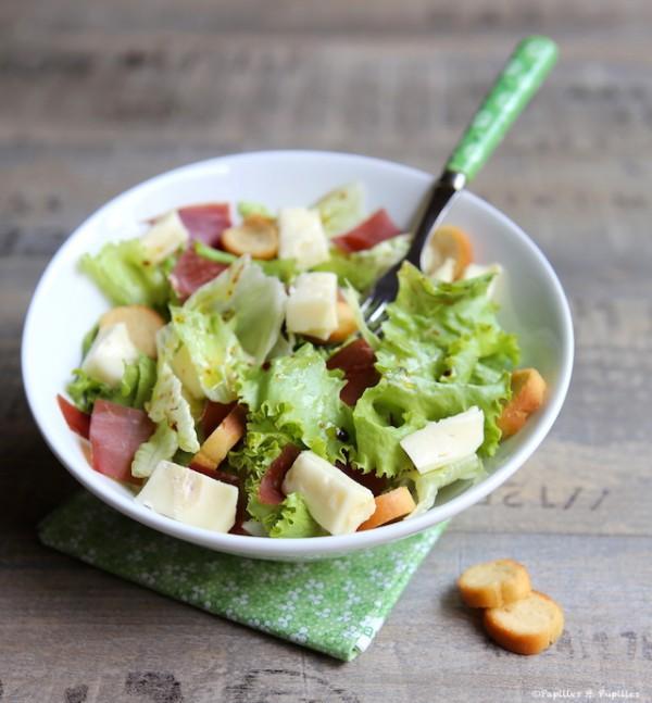 Salade à la viande des Grisons et au Reblochon