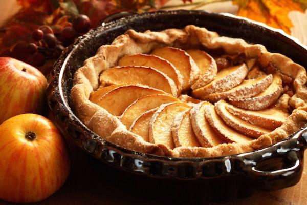 Tarte aux pommes ©Magdalena Kucova shutterstock