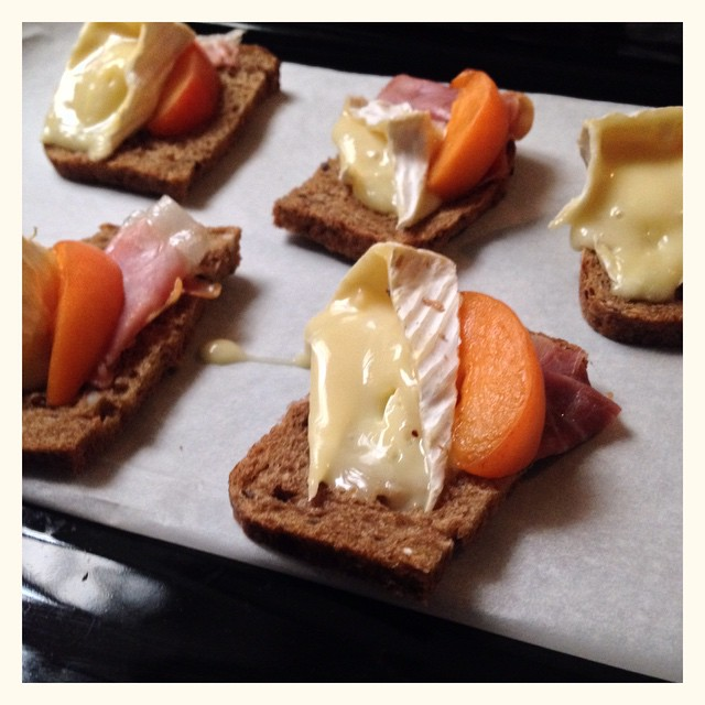 Apéro #detox #camembert #jambon #abricot