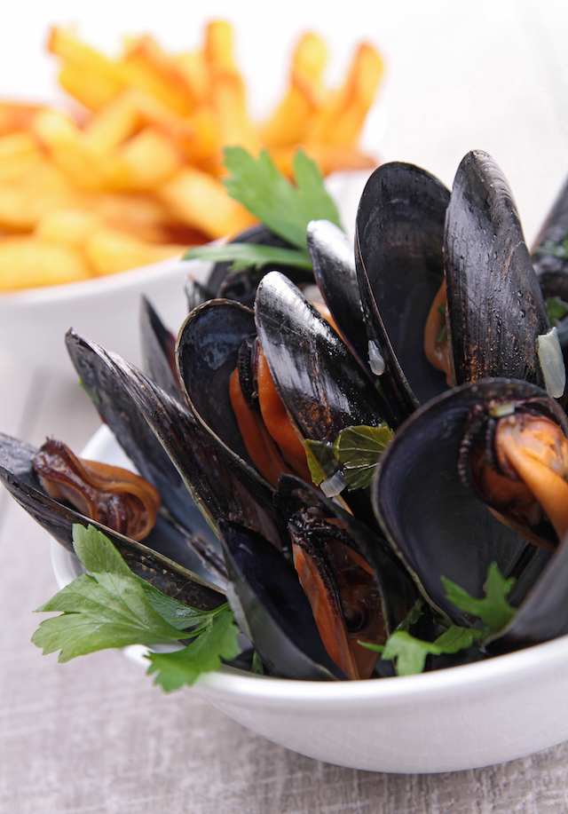 Moules frites ©margouillat photo shutterstock