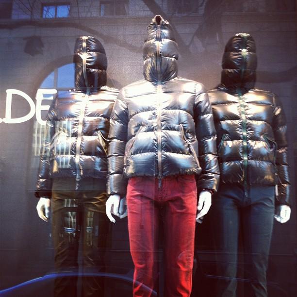 C est sympa t as chaud mais le problème c est que tu ne vois pas où tu marches... #ahem #fashion #montreal