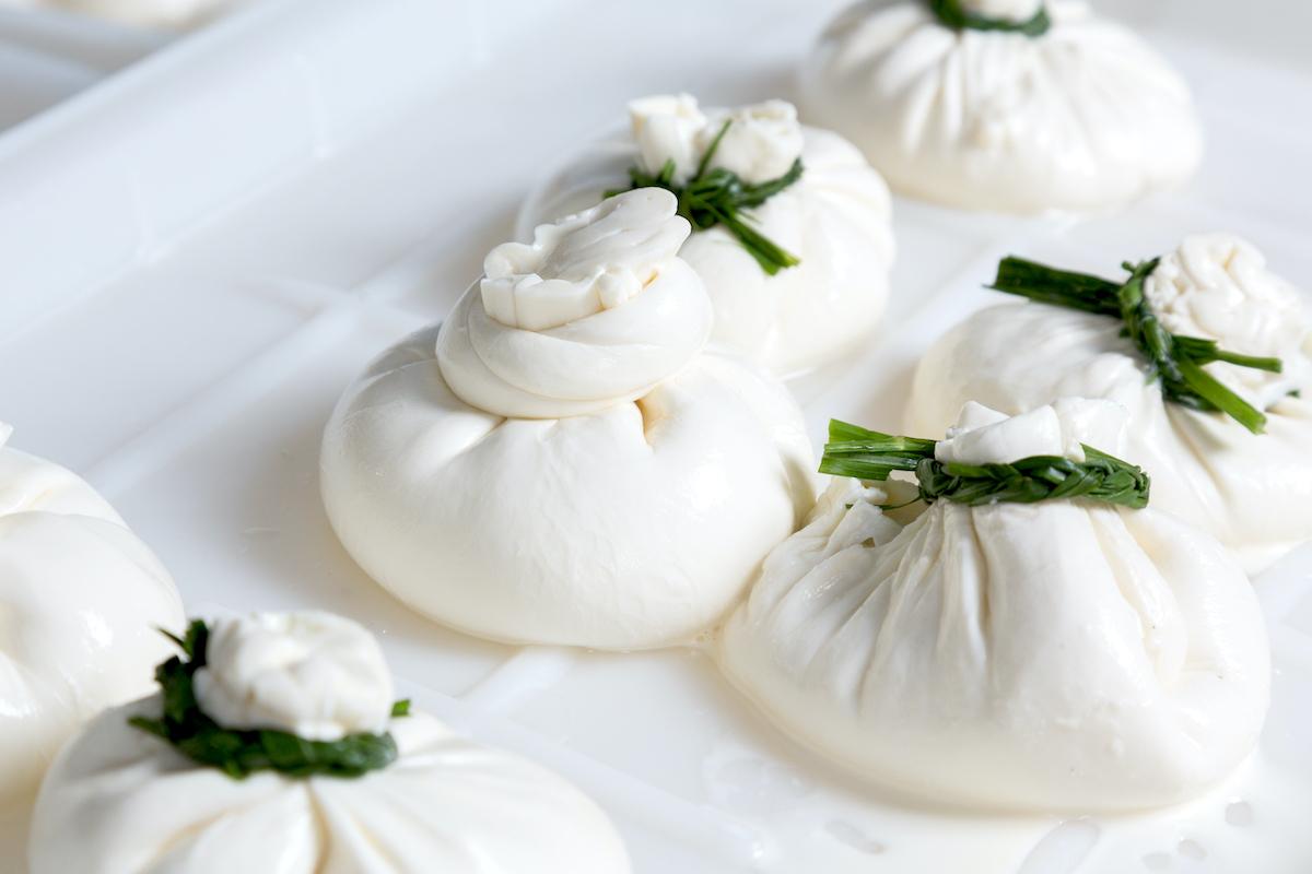 Burrata ©Kartinkin 77 Shutterstock