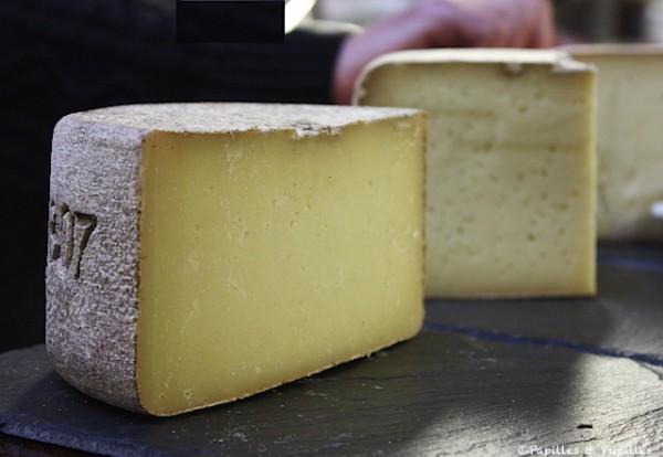 fromage pur brebis des pyr n es. Black Bedroom Furniture Sets. Home Design Ideas