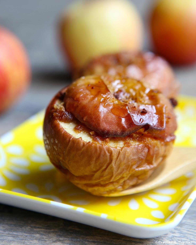 Pommes au four, miel et pain d'épices