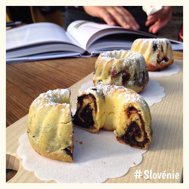 Potica - le gâteau slovène - habituellement fourré au noix - Délicieux