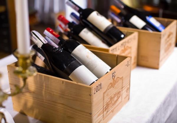 Caisses de vin (c) Valentyn Volkov shutterstock