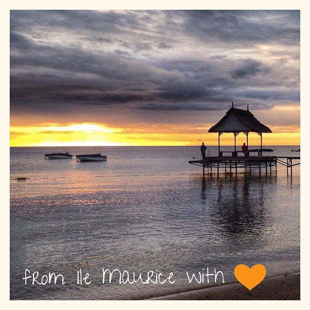 Coucher de soleil - baie des tortues #IleMaurice