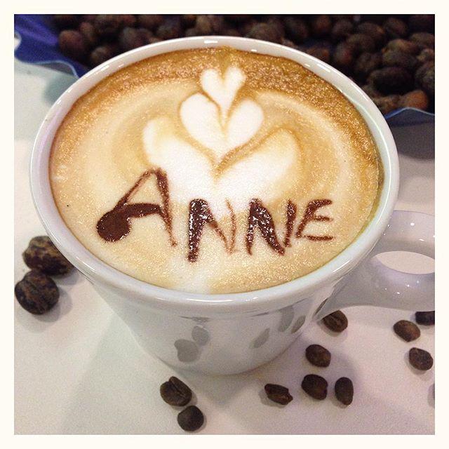 Essai de latte art chez Lavazza - pas si facile