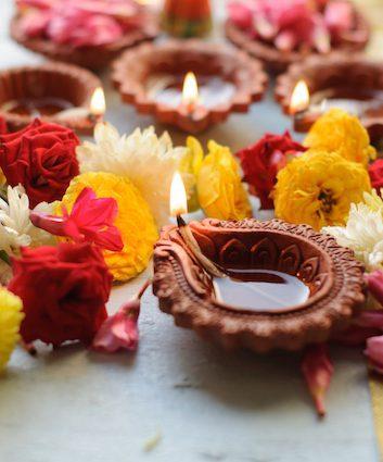 Diwali (c) anshu18 shutterstock