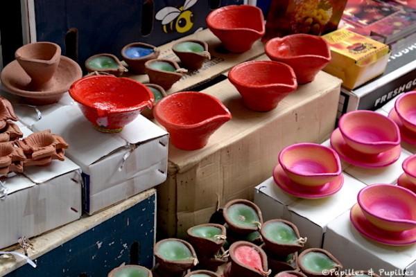 Les lampes de Diwali au marché de Port Louis