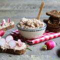 Tartines de rillettes de thon et ses petits radis
