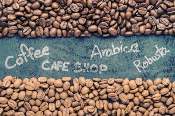 Arabica - Robusta (c) iPranoffee shutterstock