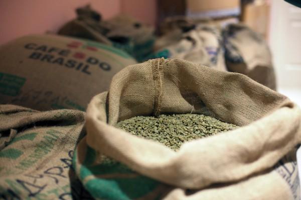 Café vert (c) Yury Stroykin shutterstock