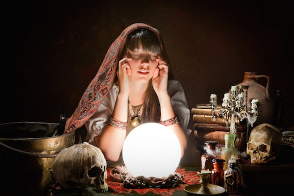 Où est ma boule de cristal ©Anneka shutterstock