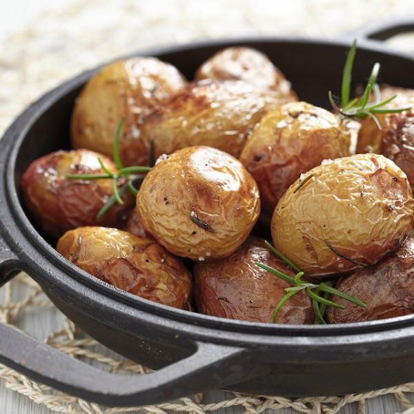 Pommes de terre au four (c) Elena Shashkina shutterstock