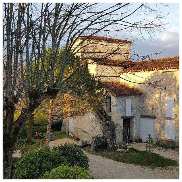 Le Castel Pierre - Lagraulet-du-Gers : lever de soleil sur la Gascogne