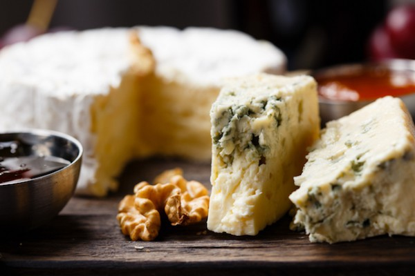 Fromages (c) Dmitry Lityagin shutterstock