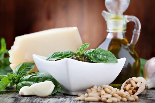 Ingrédients pour Pesto (c) gresei shutterstock