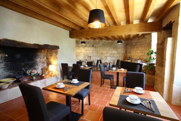 Salle du petit déjeuner - Le Castel Pierre